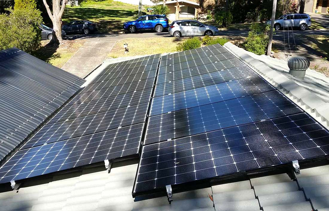 tree-shading-solar-panels-in-queanbeyan-ACT